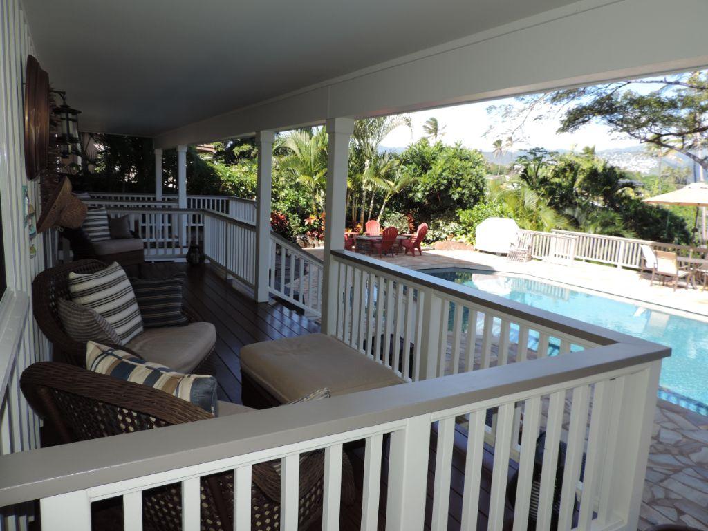 covered pool deck black point.JPG