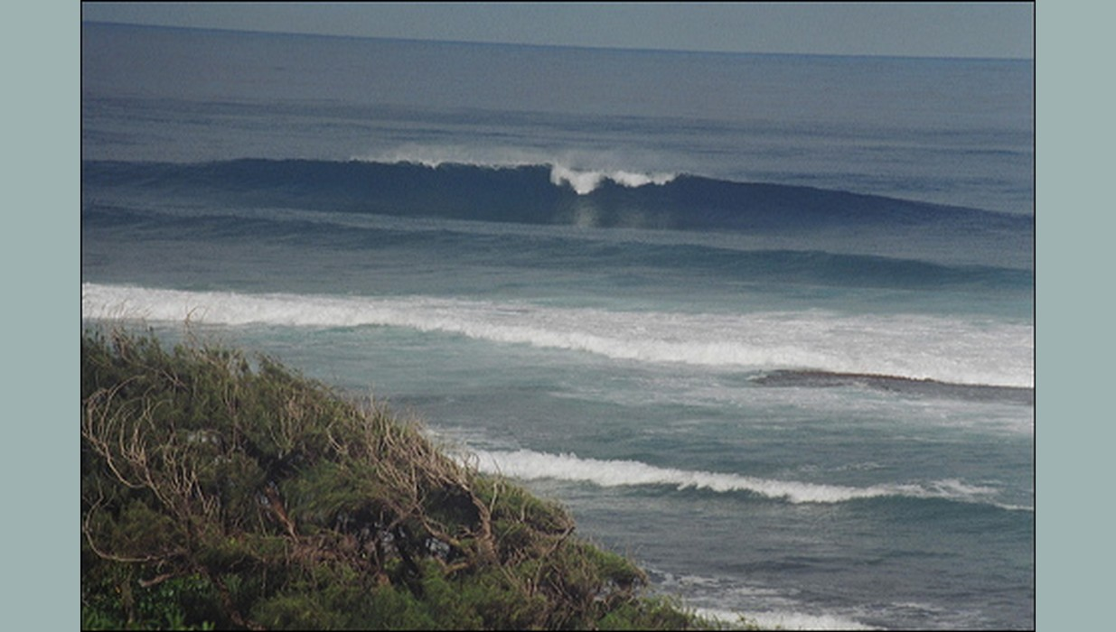 Mokuleia surf.jpg